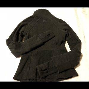 Lululemon jacket sz 4